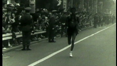 Abebe Bikila loopt blootvoets een marathon (1960)