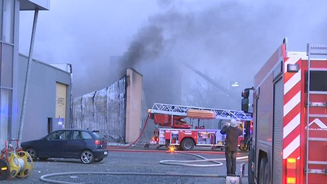 Noordersingel in Deurne afgesloten door zware brand