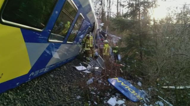4 doden en 55 zwaargewonden bij frontale treinbotsing in Zuid-Duitsland