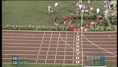 Patrick Stevens loopt als enige blanke de finale van de 200 meter (1996)